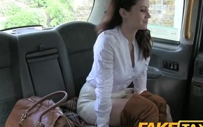 Fake Taxi Hot minx negligible for rough anal All round in