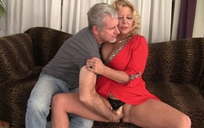 Curvy blonde mature with natural boobs receives rewarded with a good fuck