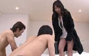 Ayumi Iwasa takes nearby undies to fuck with crew a few guys